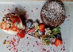 Travelnews.lv izbauda Rīgas restorāna «Café Mio» viesmīlību un romantisko interjeru 10