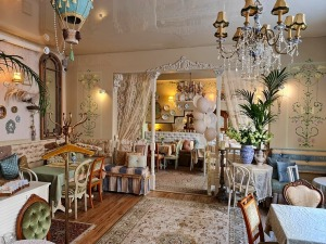 Travelnews.lv izbauda Rīgas restorāna «Café Mio» viesmīlību un romantisko interjeru 11