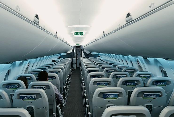 Travelnews.lv lido ar «airBaltic» no Rīgas uz Tallinu caur Helsinkiem biezās miglas dēļ 306907