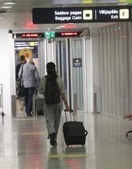 Travelnews.lv lido ar «airBaltic» no Rīgas uz Tallinu caur Helsinkiem biezās miglas dēļ 11