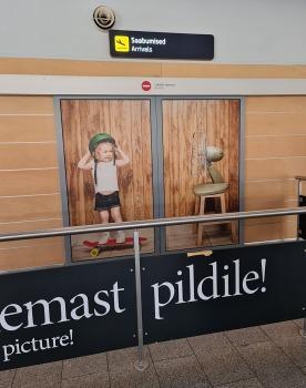 Travelnews.lv lido ar «airBaltic» no Rīgas uz Tallinu caur Helsinkiem biezās miglas dēļ 13