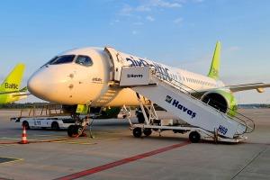 Travelnews.lv lido ar «airBaltic» no Rīgas uz Tallinu caur Helsinkiem biezās miglas dēļ 1