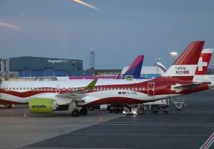 Travelnews.lv lido ar «airBaltic» no Rīgas uz Tallinu caur Helsinkiem biezās miglas dēļ 20