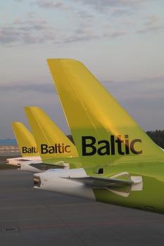 Travelnews.lv lido ar «airBaltic» no Rīgas uz Tallinu caur Helsinkiem biezās miglas dēļ 3