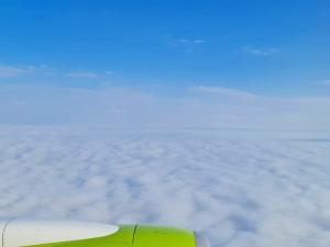 Travelnews.lv lido ar «airBaltic» no Rīgas uz Tallinu caur Helsinkiem biezās miglas dēļ 7
