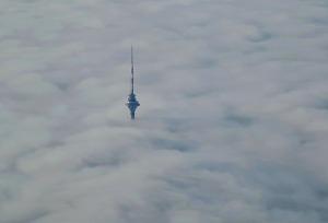 Travelnews.lv lido ar «airBaltic» no Rīgas uz Tallinu caur Helsinkiem biezās miglas dēļ 8