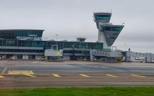 Travelnews.lv lido ar «airBaltic» no Rīgas uz Tallinu caur Helsinkiem biezās miglas dēļ 9