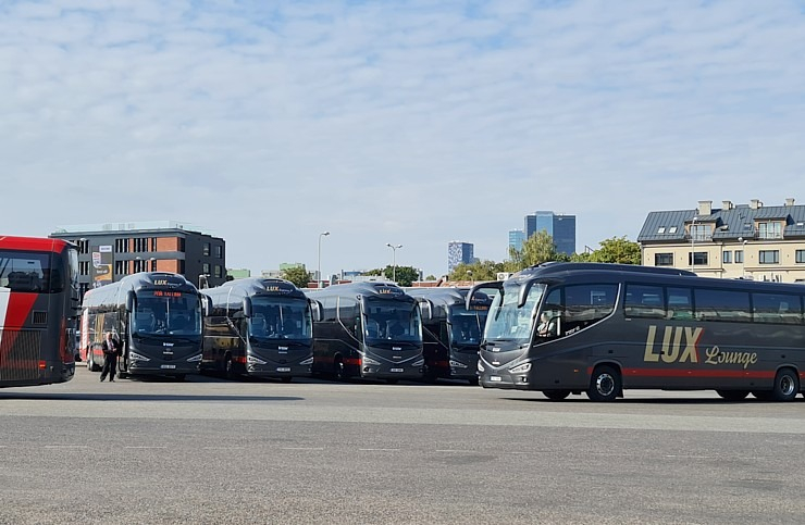 Travelnews.lv no Tallinas lidostas (20-25 min) kājām dodas uz Tallinas autoostu, lai ceļotu uz Sāremā 306943