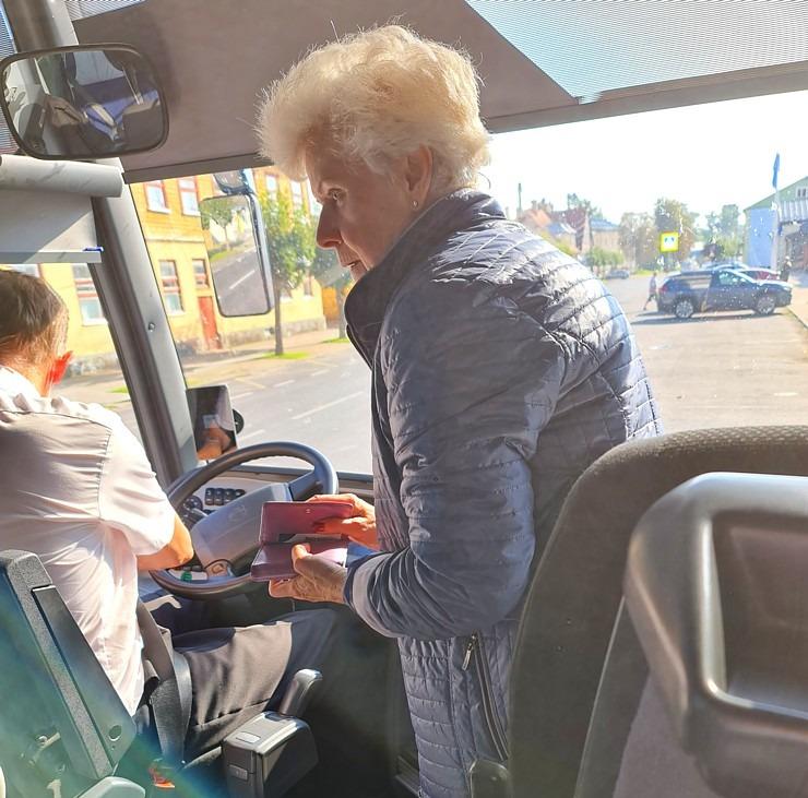 Travelnews.lv no Tallinas lidostas (20-25 min) kājām dodas uz Tallinas autoostu, lai ceļotu uz Sāremā 306944