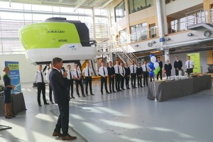 «airBaltic» Pilotu akadēmiju absolvē pieci studenti un viena studente 6