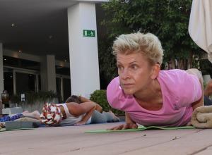 Travelnews.lv apmeklē jogas nodarbību Tenerifes luksus viesnīcā «Hotel Vulcano» 11