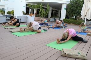 Travelnews.lv apmeklē jogas nodarbību Tenerifes luksus viesnīcā «Hotel Vulcano» 16