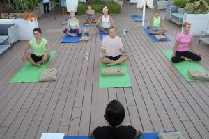 Travelnews.lv apmeklē jogas nodarbību Tenerifes luksus viesnīcā «Hotel Vulcano» 20