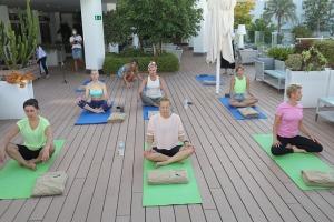 Travelnews.lv apmeklē jogas nodarbību Tenerifes luksus viesnīcā «Hotel Vulcano» 23