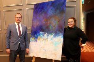Sandra Strēle kopā ar Latvijas Mākslas akadēmiju (LMA) atklāj personālizstādi «Citi laiki» Rīgas viesnīcā «Grand Poet by Semarah Hotels» 4