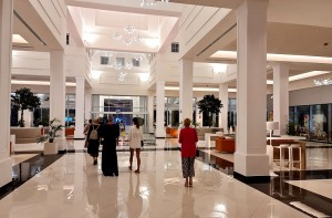 Iepazīstam ģimeņu laimīgāko viesnīcu «Fantasia Bahia Principe Tenerife» un tās priekšnesumus 26
