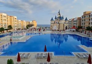 Iepazīstam ģimeņu laimīgāko viesnīcu «Fantasia Bahia Principe Tenerife» un tās priekšnesumus 5