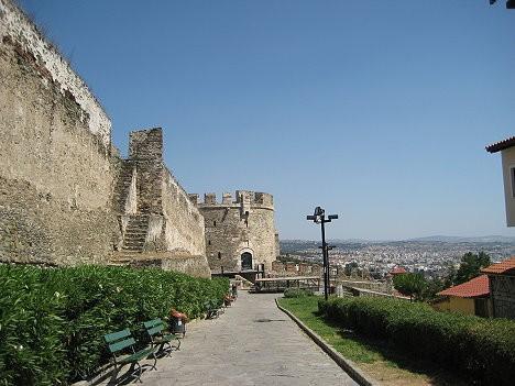 Akropoles tornis