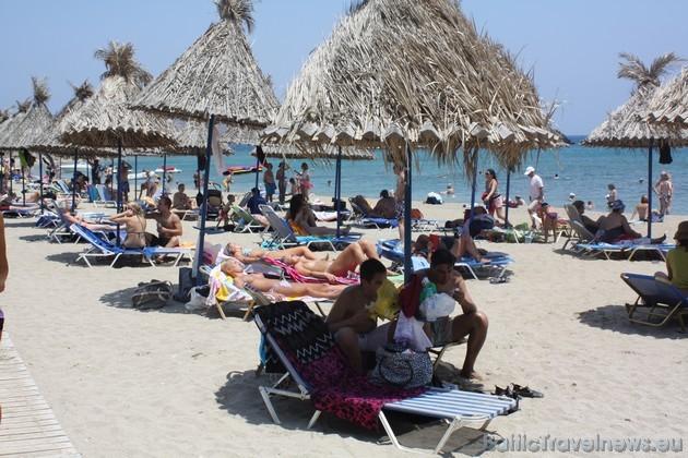 Vai Beach pludmale piedāvā atpūtniekiem plašu atpūtas veidu iespējas
