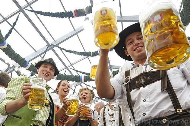 Nākošajā gadā Oktoberfest svinēs 200 gadu jubileju. Foto: Focus.de un Deutschland-tourismus.de
