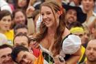 Šajā gadā presei ir aizliegts publicēt forogrāfijas no Oktoberfest, ja sieviešu krūtis ir atkailinātas. Foto: Focus.de un Deutschland-tourismus.de 13