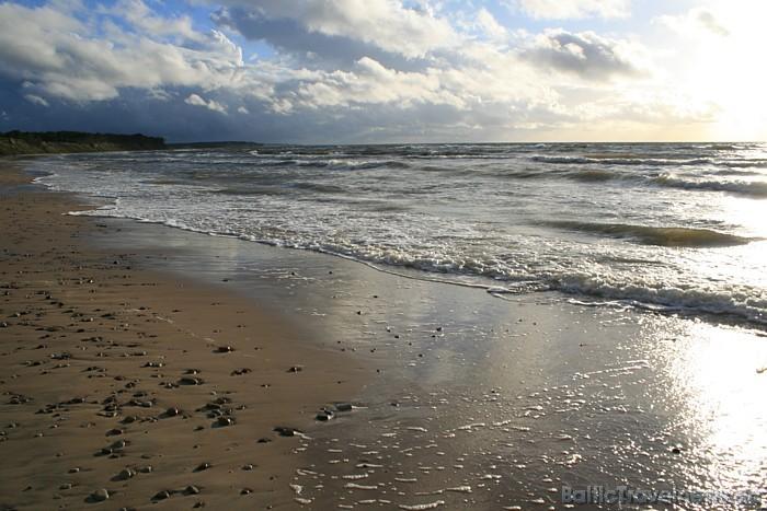 Jūrkalnes stāvkrasts ir piemērota vieta gan mierīgai pastaigai, gan aktīvai atpūtai un sportam
