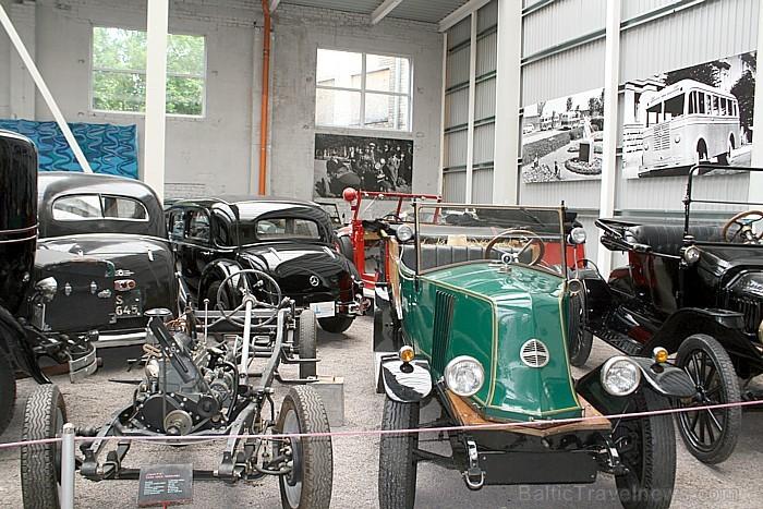 Enerģētikas un tehnikas muzejā ir iekārtota īpaša seno transporta līdzekļu ekspozīcija