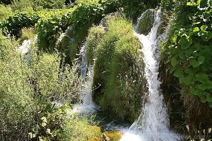 Apkārtnes ainava veidojusies pateicoties karsta procesiem