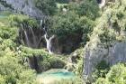 Ezeri izvietojušies dažādos augstumos, ūdens no augstākiem ezeriem ar šaurām kaskādēm tek lejā pa klinšu sienām 4