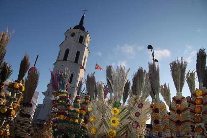 Viļņā ik gadu marta pirmajās brīvdienās notiek milzīgs amatniecības gadatirgus «Kaziukas», kuru apmeklē vairāki desmiti tūkstoši lietuviešu un ārvalst