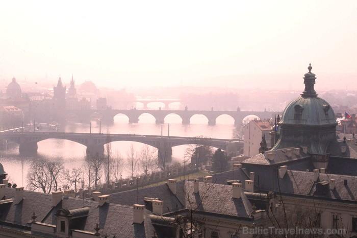 Prāga mēdz dēvēt par Maģisko pilsētu!Bagāta ar gleznainiem arhitektūras pieminekļiem, kultūras centru un vijošām bruģētām ielām -  www.czechairlines.l 73469