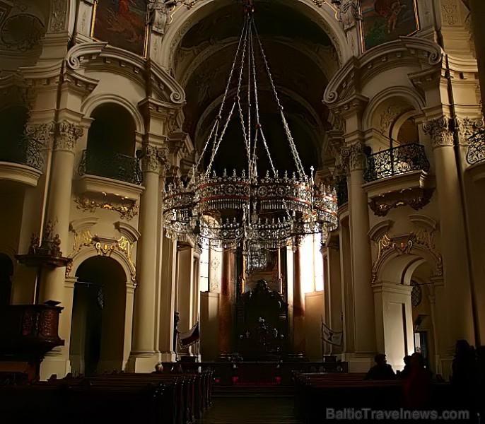 Sv.Nikolaja baznīca ir pirmā jezuītu celtne Prāgā. 1787.gadā pie baznīcas ērģlēm savu koncertu bija sniedzis mūzikas brīnumbērns - Mocarts -  www.czec 73477