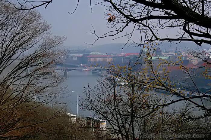 Prāga mēdz dēvēt par Maģisko pilsētu!Bagāta ar gleznainiem arhitektūras pieminekļiem, kultūras centru un vijošām bruģētām ielām -  www.czechairlines.l 73483