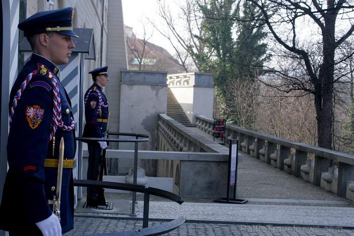 Čehijas galvaspilsētas dārgakmens - Prāgas pils. Pils ir iekļuvusi Ginesu rekordu grāmatā kā lielākais saskaņotais pils komplekss pasaulē -  www.czech 73495