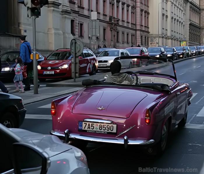 Prāga mēdz dēvēt par Maģisko pilsētu!Bagāta ar gleznainiem arhitektūras pieminekļiem, kultūras centru un vijošām bruģētām ielām -  www.czechairlines.l 73505