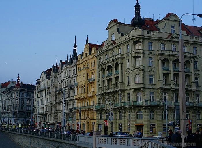 Prāga mēdz dēvēt par Maģisko pilsētu!Bagāta ar gleznainiem arhitektūras pieminekļiem, kultūras centru un vijošām bruģētām ielām -  www.czechairlines.l 73508