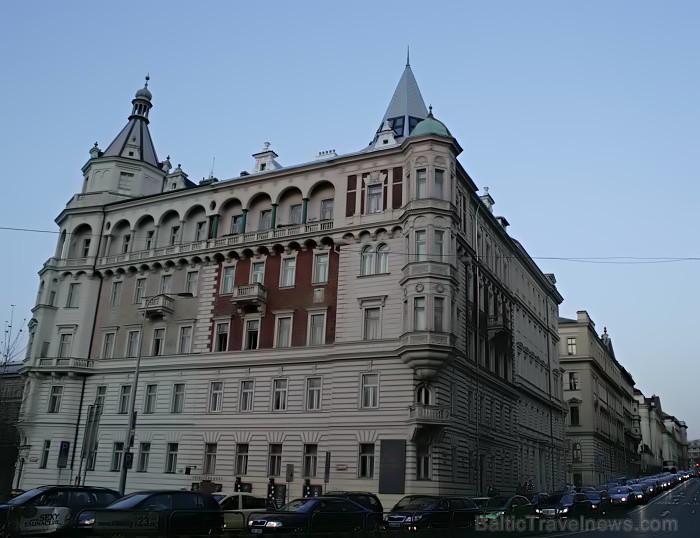 Prāga mēdz dēvēt par Maģisko pilsētu!Bagāta ar gleznainiem arhitektūras pieminekļiem, kultūras centru un vijošām bruģētām ielām -  www.czechairlines.l 73509
