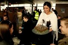 Pasažieriem, kas lidoja Czech Airlines svētku brauciena tika sarupēti īpaši pārsteigumi, gan sagaidot lidojumu, gan paša lidojuma laikā -  www.czechai 4