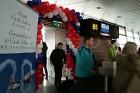 Pasažieriem, kas lidoja Czech Airlines svētku brauciena tika sarupēti īpaši pārsteigumi, gan sagaidot lidojumu, gan paša lidojuma laikā -  www.czechai 5
