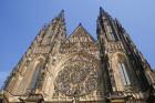 Prāgas pils kompleksa galvenais apskates objekts ir Svētā Vitusa katedrāle, kas ir izcils gotiskā stila šedevrs -  www.czechairlines.lv 37