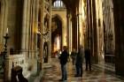 Svētā Vitusa katedrāle ir izcils gotiskā stila šedevrs, kas ir celta 14.gadsimtā. Katedrāles tornis ir augstākā vieta pils kompleksā -  www.czechairli 40