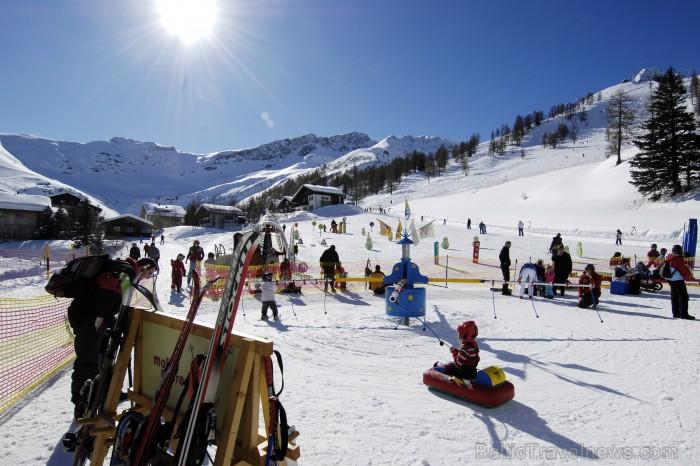 Lihtenšteina ir mazākā, bet bagātākā vāciski runājošā valsts pasaulē un vienīgā Alpu valsts, kuras teritorija pilnībā atrodas Alpos. Foto: Liechtenste 86529