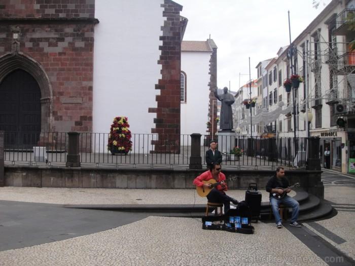 Katedrāle saglabājusies neskarta kopš agrīnā salas kolonizācijas laika  www.remirotravel.lv