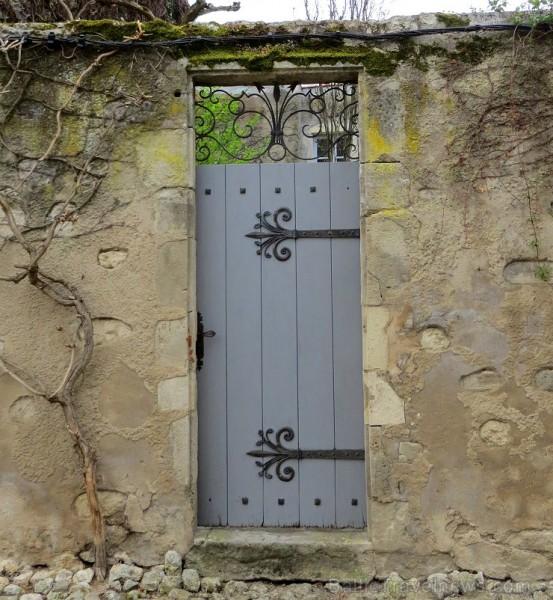 Brīnumains viduslaiku ciems Charroux gaida ciemos romantikas mīlētājus www.charroux.com 119917