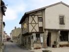 Brīnumains viduslaiku ciems Charroux gaida ciemos romantikas mīlētājus www.charroux.com 30
