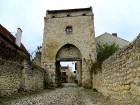 Brīnumains viduslaiku ciems Charroux gaida ciemos romantikas mīlētājus www.charroux.com 46