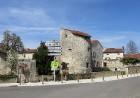 Brīnumains viduslaiku ciems Charroux gaida ciemos romantikas mīlētājus www.charroux.com 55