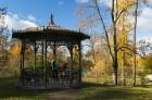 Cēsis ir brīnišķīga pilsēta zelta rudens baudīšanai 28