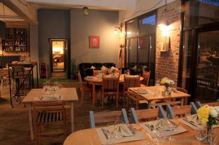 Restorāns Cēsīs «Izsalkušais Jānis» priecē ar mājīgu un siltu atmosfēru