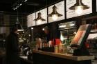 Travelnews.lv redakcija apciemo burgernīcu «Street Burgers» Blaumaņa ielā, Rīga 11